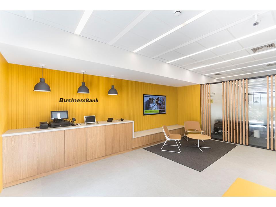 Gopasa realiza la 1 oficina businessbank de caixabank for Oficines caixabank